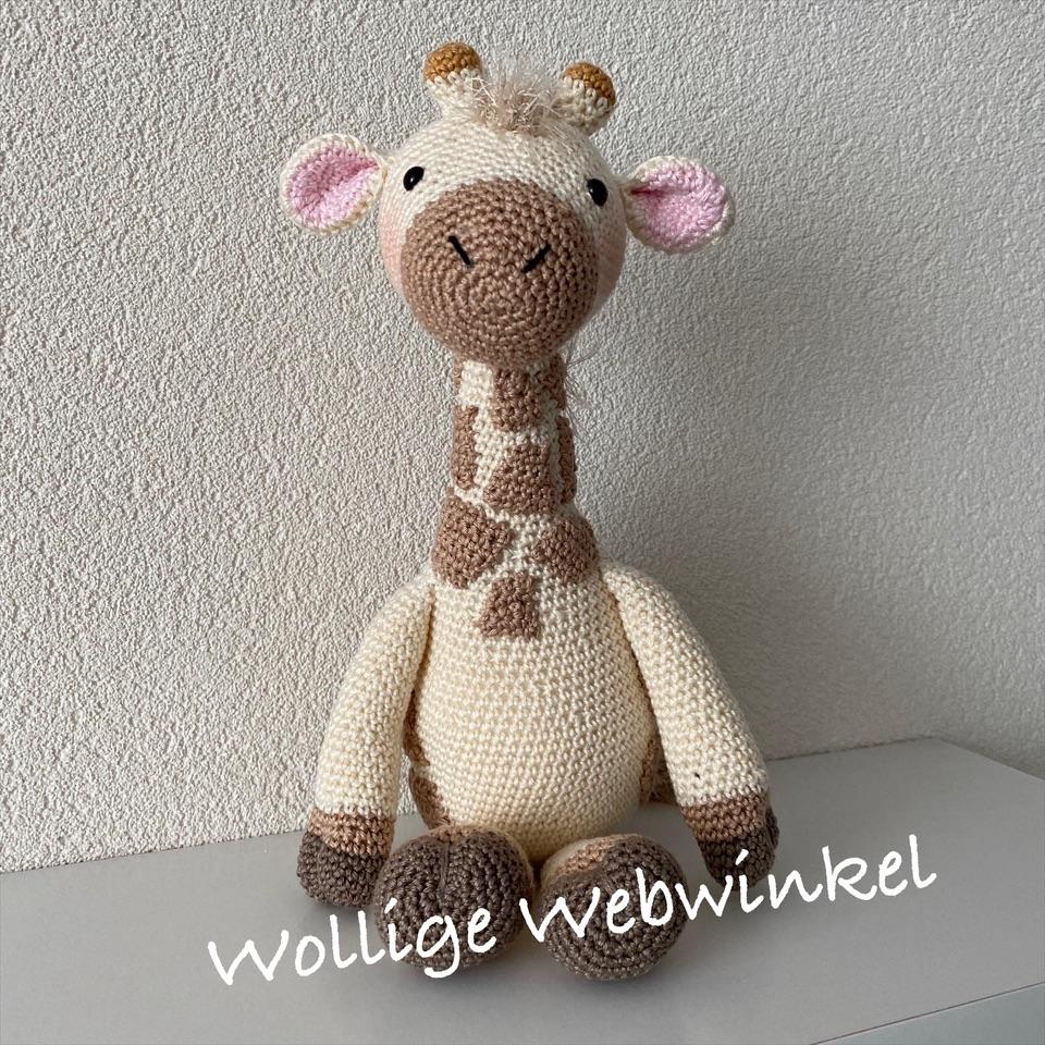 Girafje Romy 6