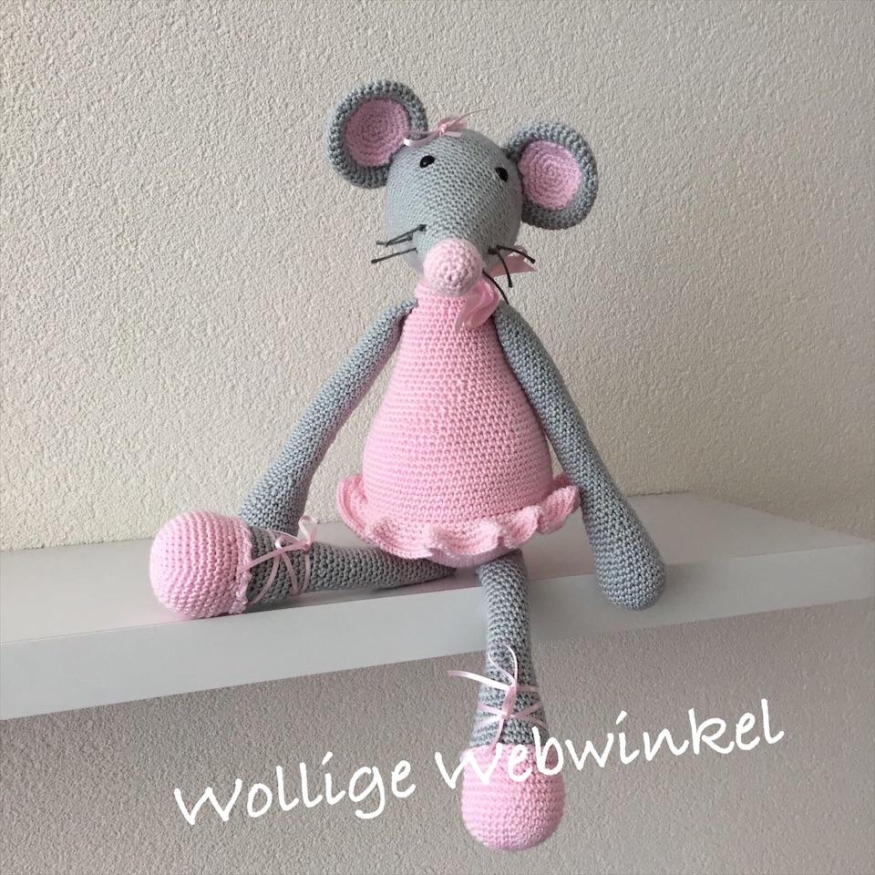 Ballerina Pien 1