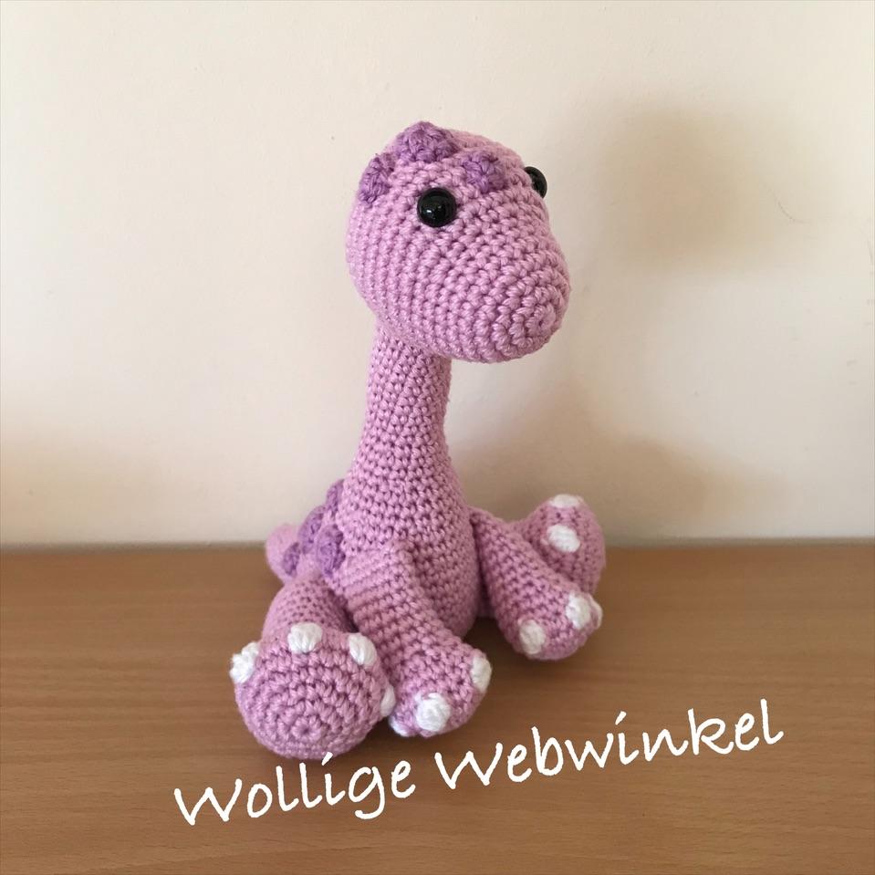 Mini Brontosaurus baby 1